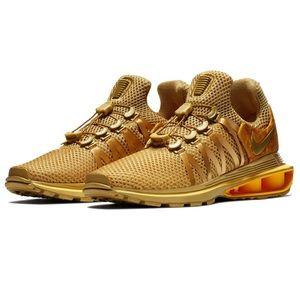 🧨SALE🧨 Nike Shox Gravity Gold Sneakers